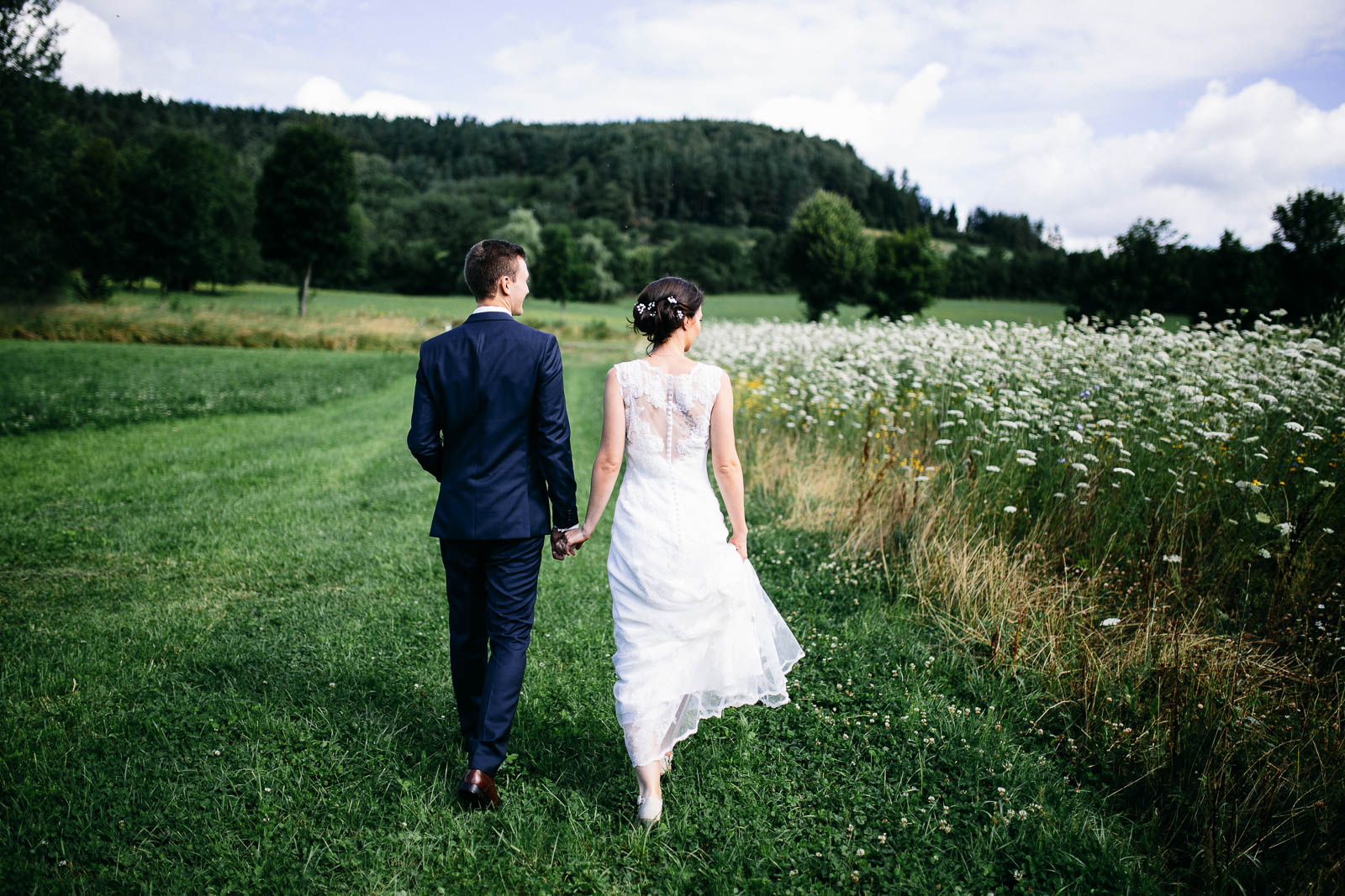foxografie_hochzeitstreportage_shooting_sommer_wedding_wiese_img_0568